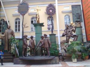 В музее Церетели Зураба 041